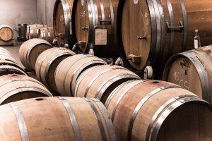 Holzfässer für die Weinlagerung